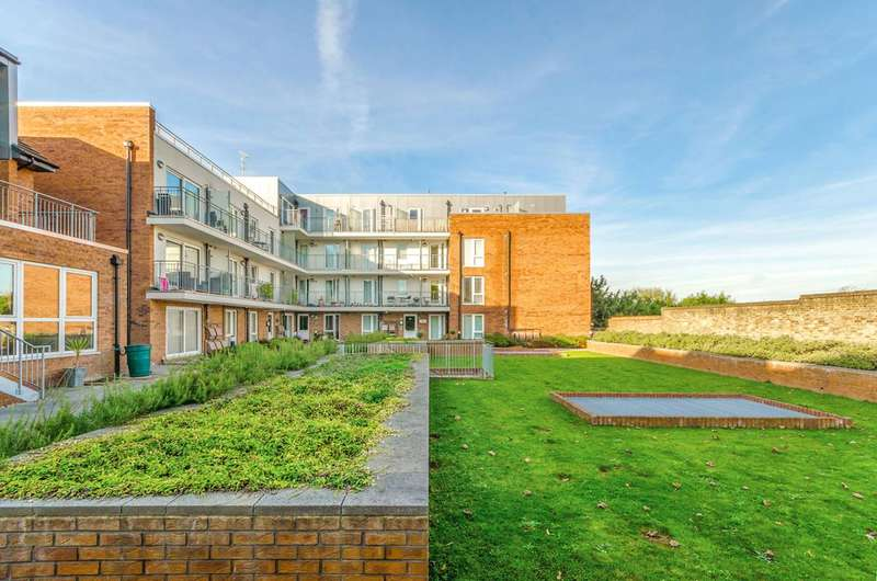 1 Bedroom Flat for sale in Lankaster Gardens, East Finchley, N2