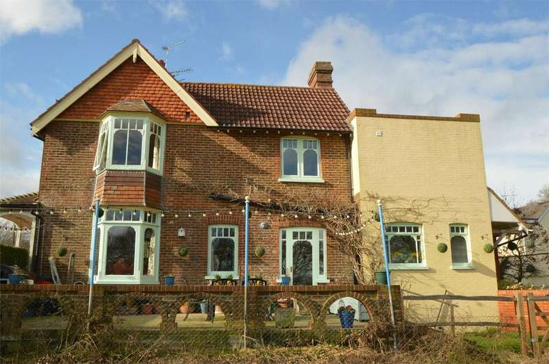 3 Bedrooms Semi Detached House for sale in Nyewood Road, Nyewood, PETERSFIELD, West Sussex