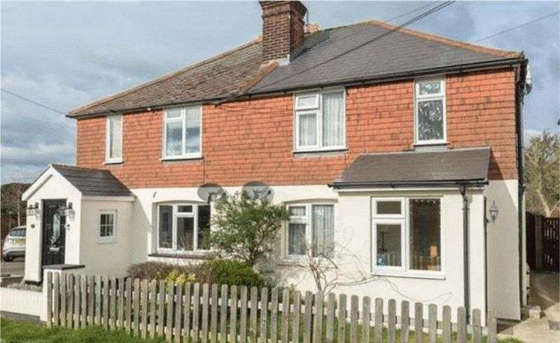 3 Bedrooms Semi Detached House for sale in Victoria Road, Writtle, Chelmsford