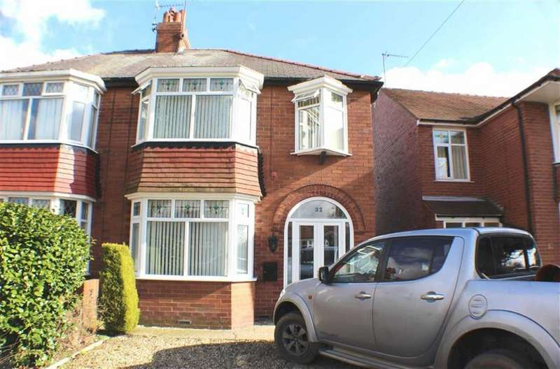 3 Bedrooms Semi Detached House for sale in St Columba Road, Bridlington, East Yorkshire