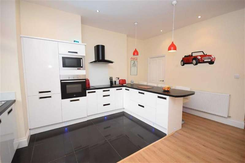 2 Bedrooms Terraced House for sale in Granville Street, Colne, Lancashire