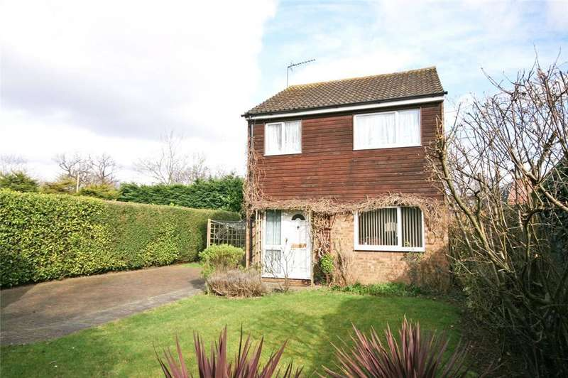 3 Bedrooms Detached House for sale in The Paddocks, Welwyn Garden City, Hertfordshire