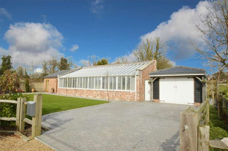4 Bedrooms Detached House for sale in Blendworth Lane, Blendworth, Horndean, Hampshire