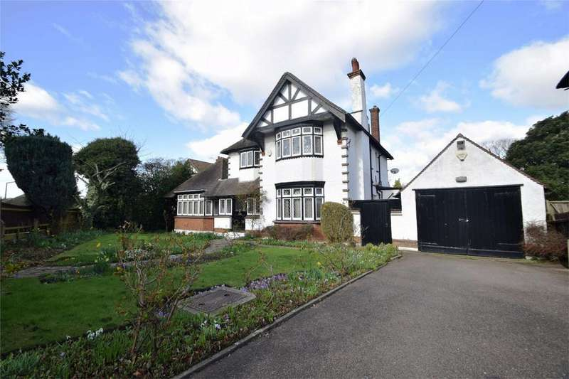 4 Bedrooms Detached House for sale in Priestfields, Rochester, Kent