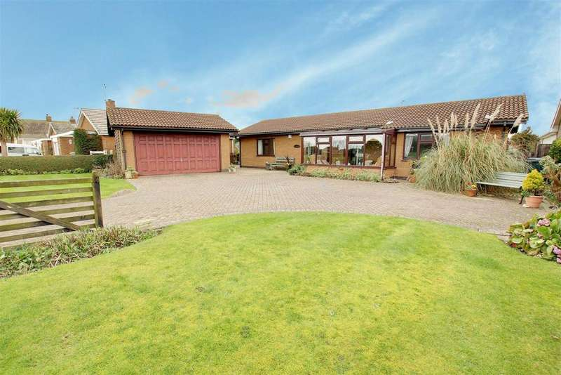 5 Bedrooms Detached Bungalow for sale in 6 Youlgrave Avenue, Sutton On Sea