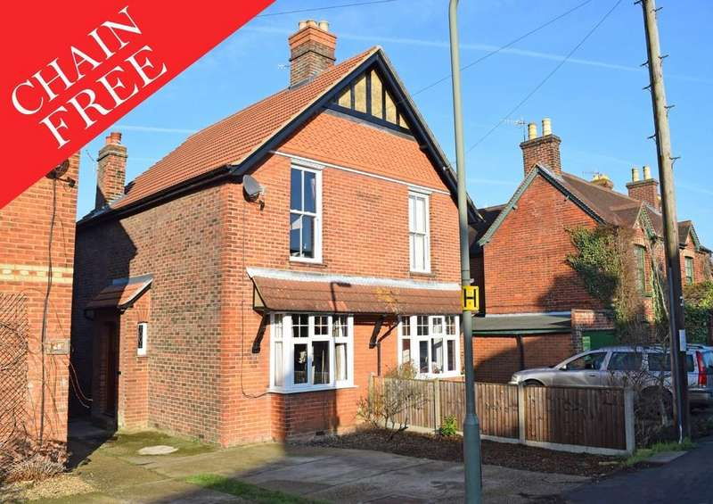 3 Bedrooms Semi Detached House for sale in New Road, Chilworth, Guildford GU4 8LU