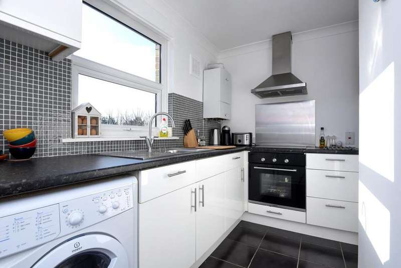 2 Bedrooms Flat for sale in Thurlow Park Road, West Dulwich, SE21