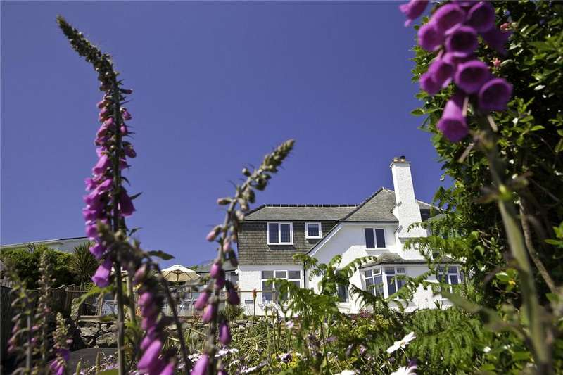 5 Bedrooms Detached House for sale in Valley Road, Carbis Bay, St. Ives