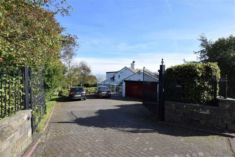 4 Bedrooms Semi Detached House for sale in Woodplumpton Road, Burnley, Lancashire