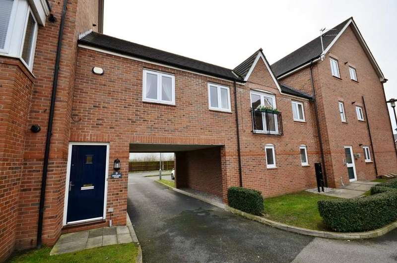 2 Bedrooms Apartment Flat for sale in Pineacre Close, Altrincham