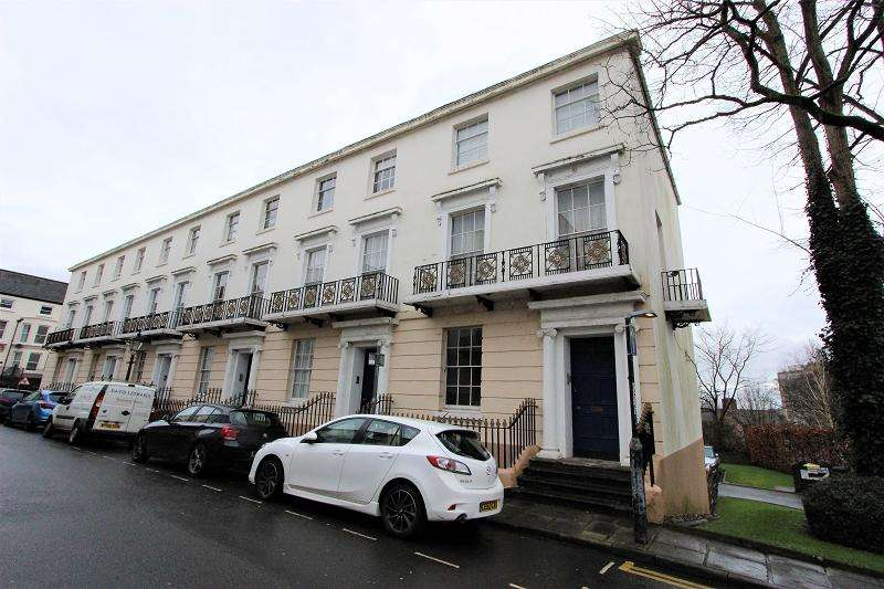 2 Bedrooms Ground Flat for sale in Victoria Place, Newport, Newport. NP20 4DZ
