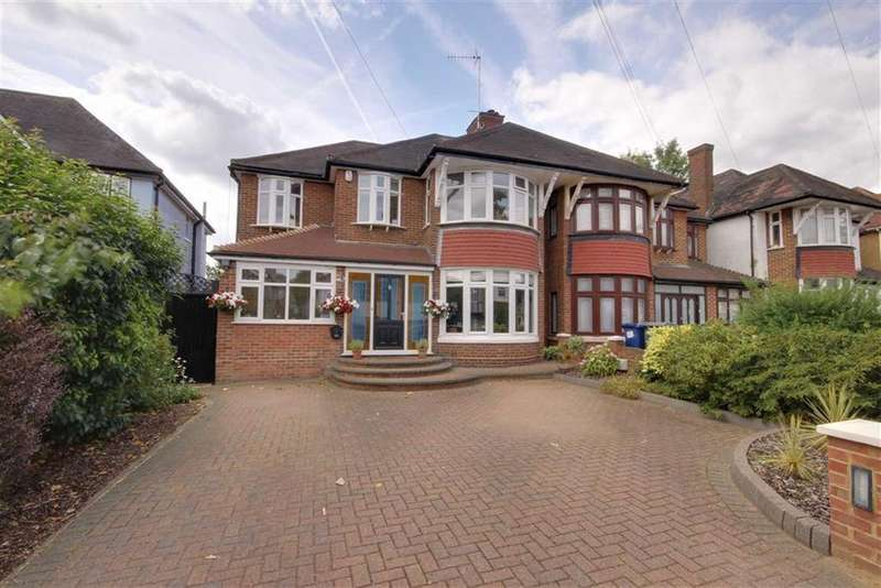 4 Bedrooms Semi Detached House for sale in Church Crescent, Whetstone, London
