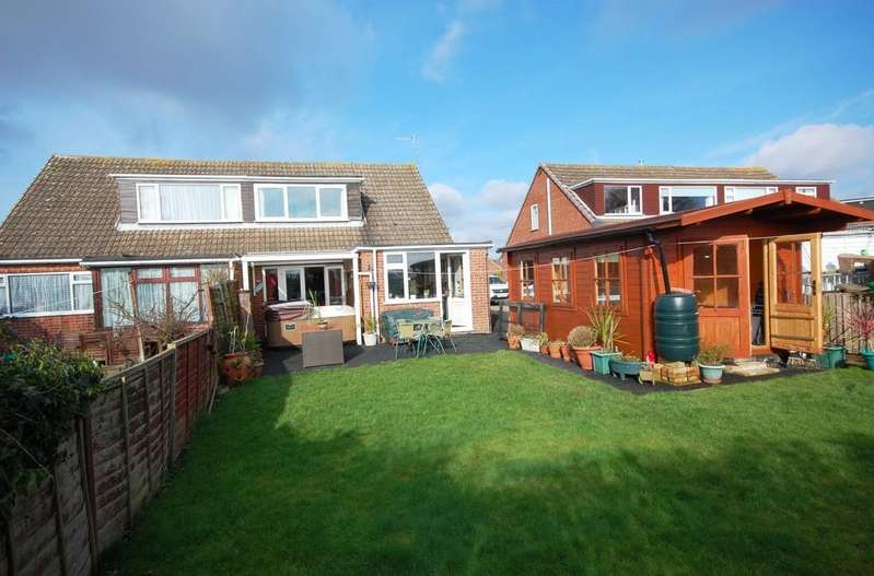 3 Bedrooms Semi Detached House for sale in Laburnum Crescent, Louth