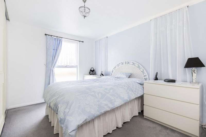 4 Bedrooms End Of Terrace House for sale in Robin Gardens, Waterlooville