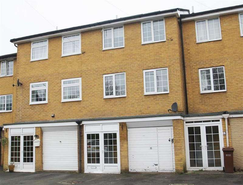 4 Bedrooms Town House for sale in Plymouth Drive, Bramhall
