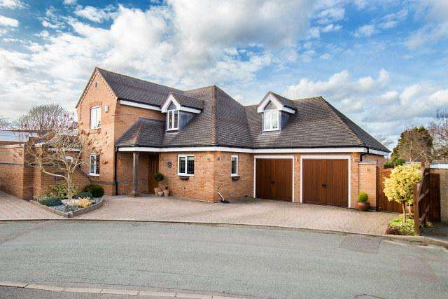 5 Bedrooms Detached House for sale in The Glade,Streetly,Sutton Coldfield