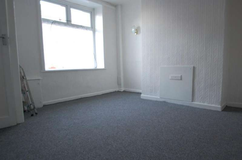 2 Bedrooms Terraced House for sale in Hall Street, Infirmary, Blackburn