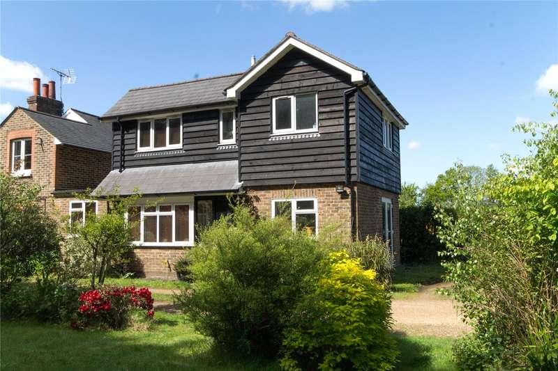 2 Bedrooms Link Detached House for sale in Station Road, Newick