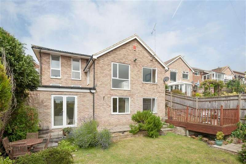 4 Bedrooms Detached House for sale in Wanderdown Close, Brighton