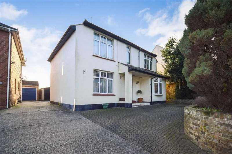 4 Bedrooms Detached House for sale in Goldhanger Road, Heybridge, Essex