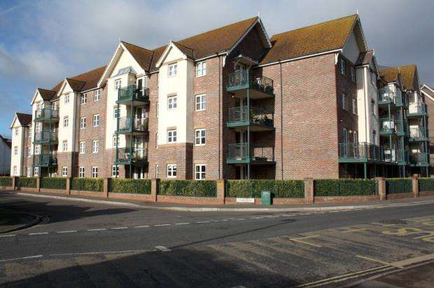 1 Bedroom Flat for sale in Tembani Court, Colin Road, Paignton, Devon