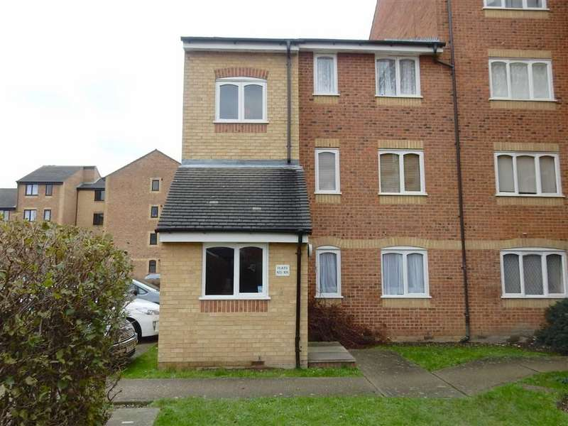 1 Bedroom Property for sale in Burket Close, Southall, Middlesex
