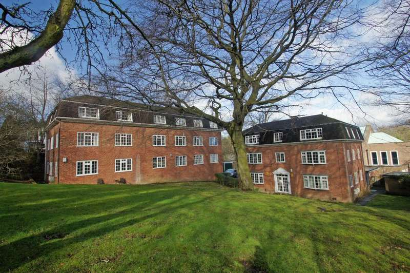 2 Bedrooms Flat for sale in Ashfield Park, Grove Road, Headingley, Leeds 6