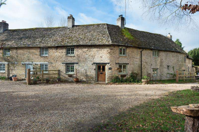 4 Bedrooms Terraced House for sale in Ramblers Cottage, The Walk, Alvescot, Oxfordshire