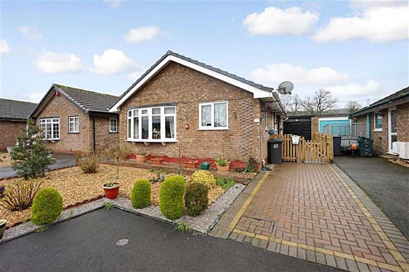 2 Bedrooms Detached Bungalow for sale in Maes Tawel, Llanrwst, Conwy