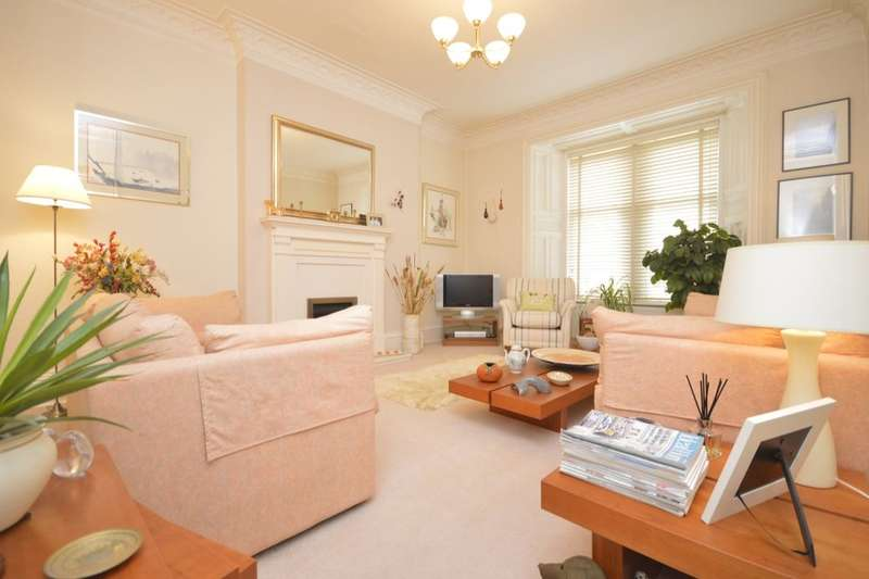 3 Bedrooms Flat for sale in Bennochy Road, KIRKCALDY, KY1