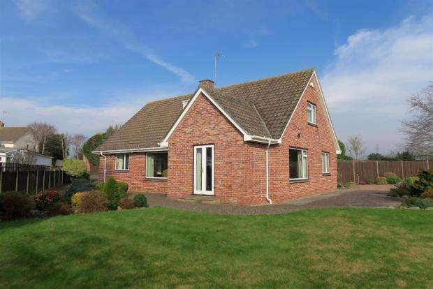 4 Bedrooms Detached House for sale in Lawn Road, Staplegrove, Taunton TA2