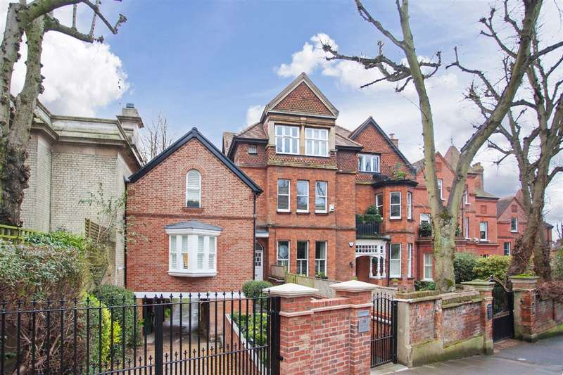 2 Bedrooms Flat for sale in Netherhall Gardens, Hampstead, NW3