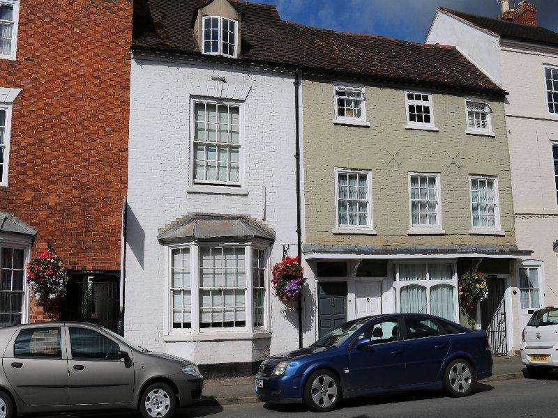 3 Bedrooms Town House for sale in Bridge Street, Pershore WR10