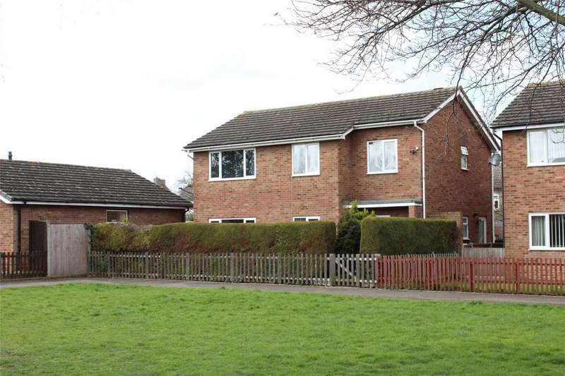 4 Bedrooms Detached House for sale in Mowbray Crescent, Stotfold, Hitchin, Herfordshire
