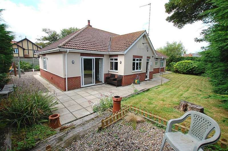 4 Bedrooms Detached Bungalow for sale in Wesley Close, Mundesley