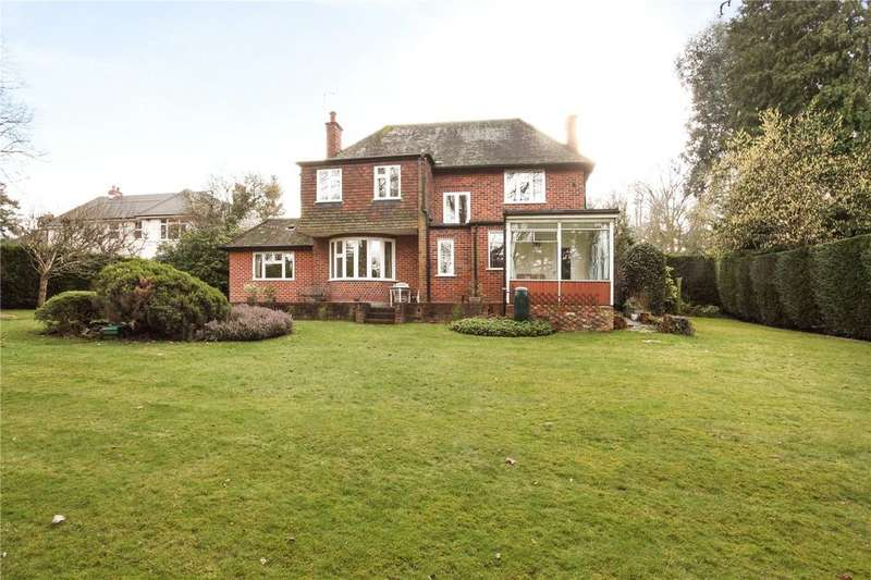 3 Bedrooms Detached House for sale in Priory Road, Sunningdale, Ascot, Berkshire, SL5