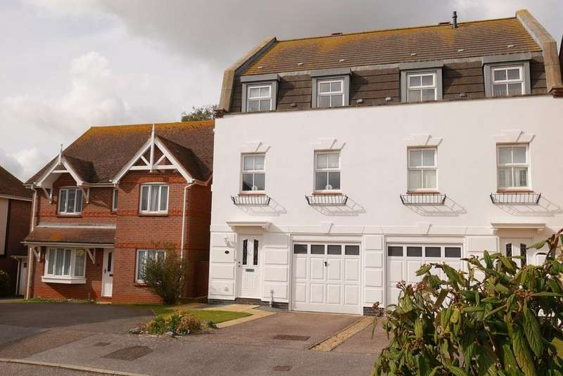4 Bedrooms Semi Detached House for sale in College Green, Eastbourne, BN21