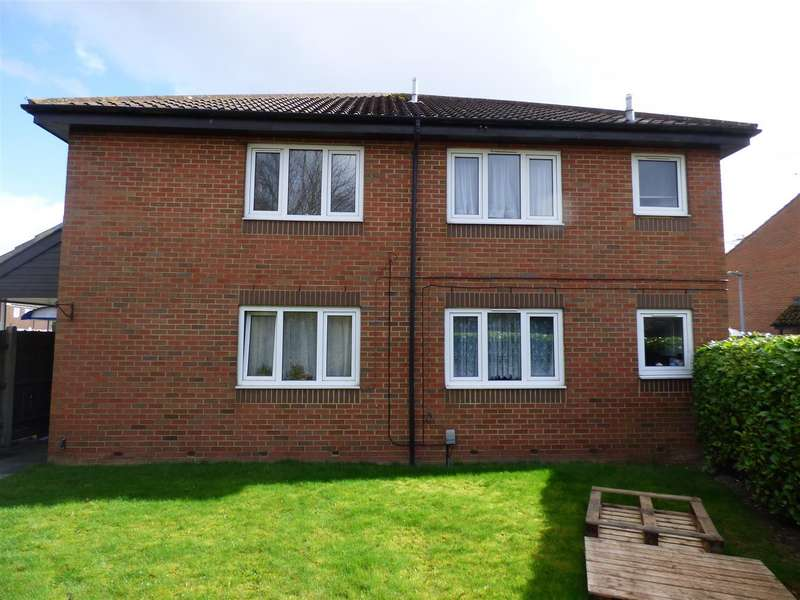 1 Bedroom Maisonette Flat for sale in Parkside Close, Houghton Regis, Dunstable