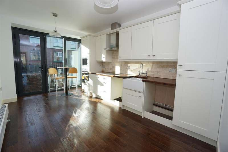 2 Bedrooms Terraced House for rent in Trickett Road, Sheffield S6