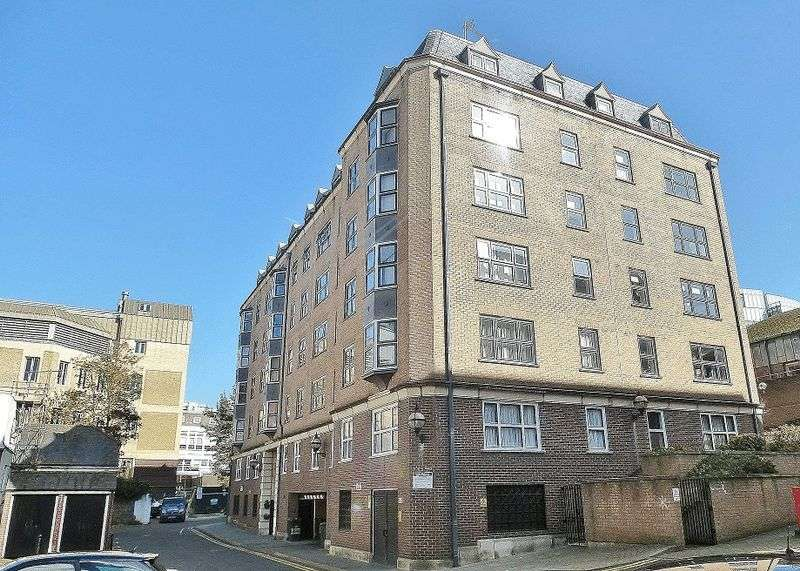 2 Bedrooms Retirement Property for sale in Grand Parade Mews, William Street, Brighton,