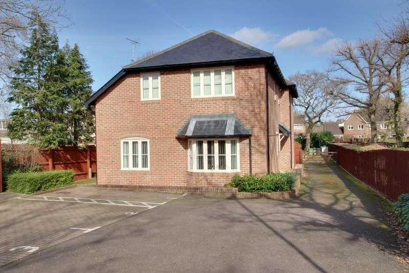 1 Bedroom Flat for sale in POTTERY CLOSE, DENMEAD