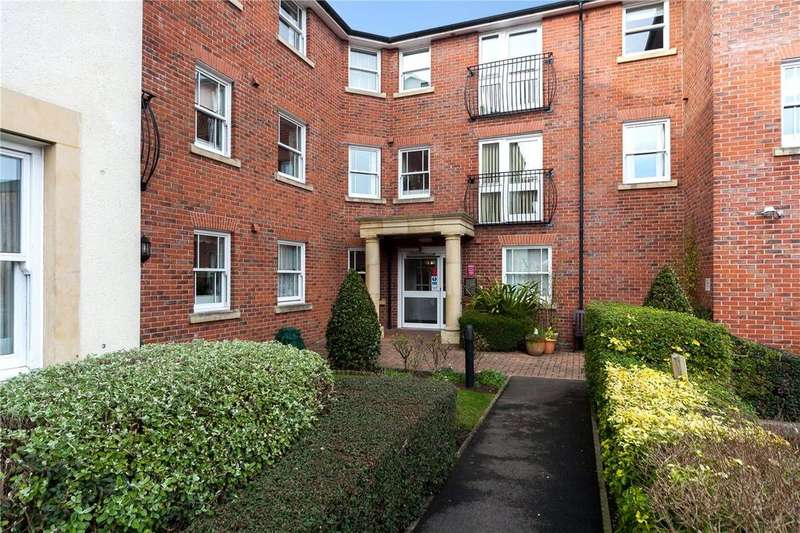 2 Bedrooms Retirement Property for sale in Sudweeks Court, New Park Street, Devizes, Wiltshire, SN10