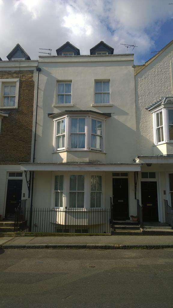 4 Bedrooms Town House for sale in Bellevue Road, Thanet, Kent, Ramsgate CT11
