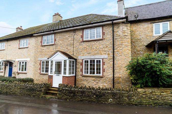 3 Bedrooms Semi Detached House for sale in Higher Kingsbury, Milborne Port, Sherborne