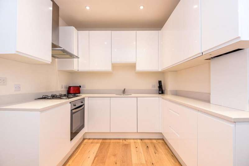 2 Bedrooms Flat for sale in Southfield Road, Chiswick, W4