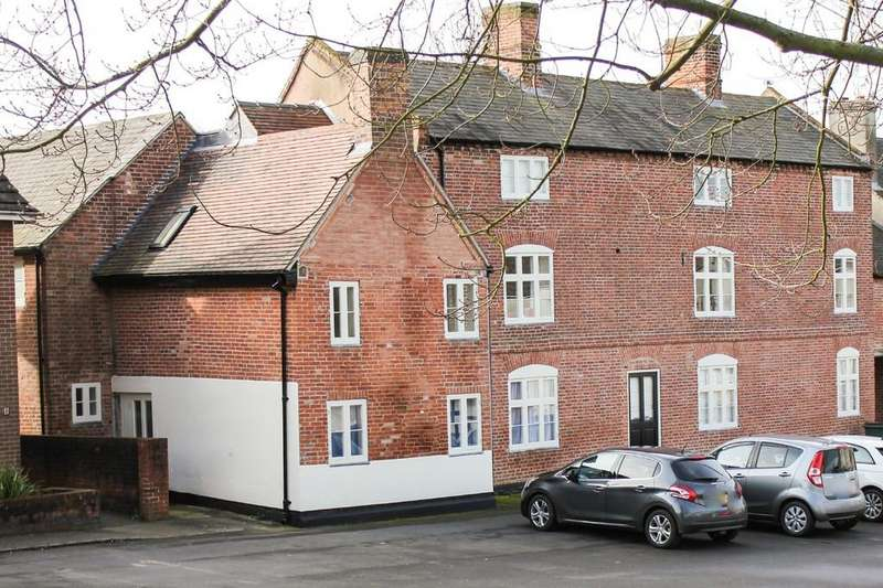 2 Bedrooms Apartment Flat for sale in Market Place, Belton