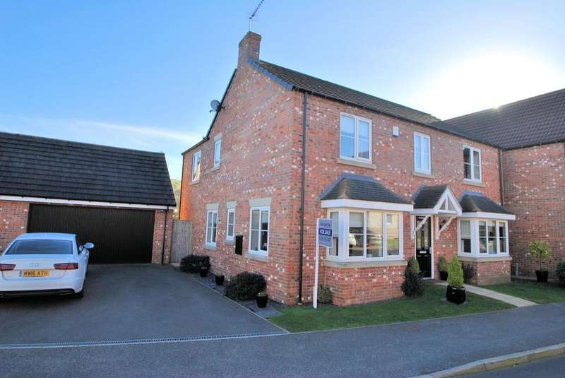 5 Bedrooms Detached House for sale in Low Rocha Grove, Millhouse Green, Sheffield
