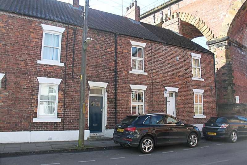 2 Bedrooms Terraced House for sale in Bridge Street, Yarm