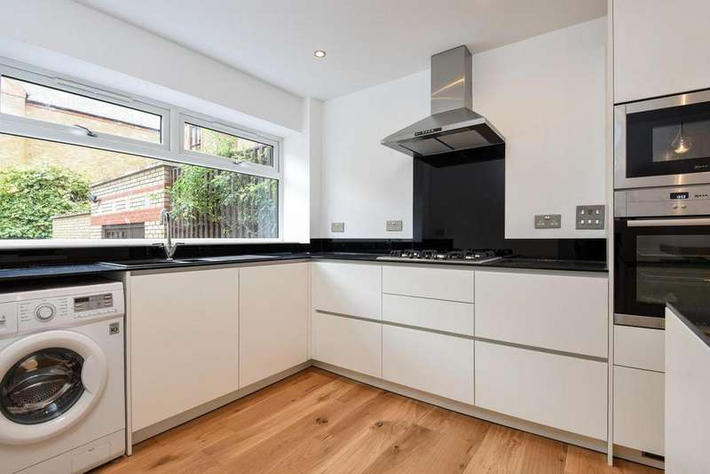 4 Bedrooms Terraced House for sale in Brunswick Quay, Surrey Quays, SE16