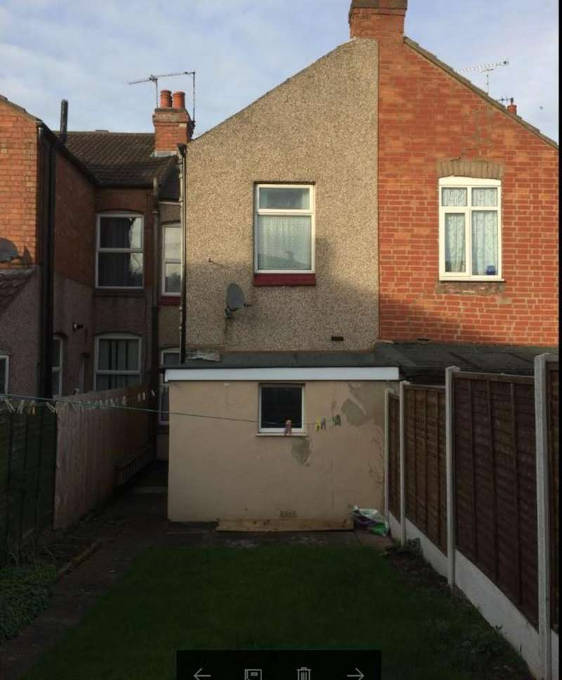 2 Bedrooms Terraced House for sale in Brays Lane, Coventry